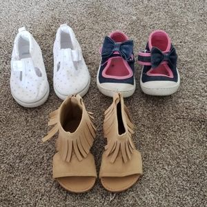 3 pairs of gently used shoes